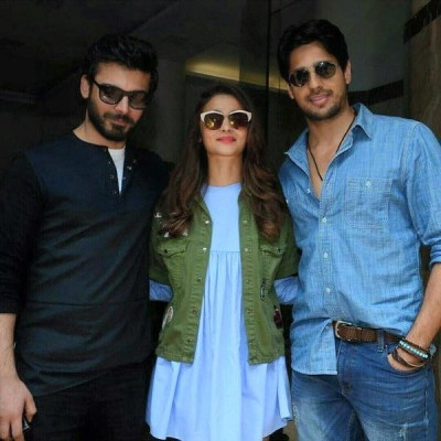 Sidharth Malhotra Having Fun During Promotion of Kapoor and Sons