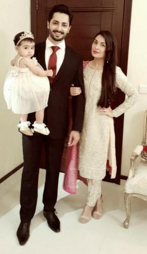 Ayeza Khan and their daughter