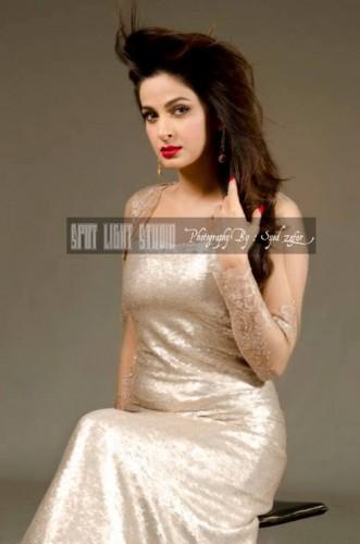 Saba Qamar Actress & Hot Model