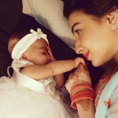 In 2015, Dua Malik's daughter was born.