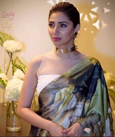 Mahira Khan At Femina Middle East Women Awards