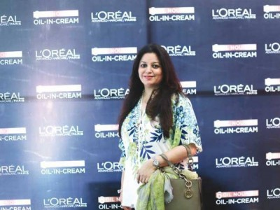 Because your are Worth it by L'Oreal Paris Karachi 2016