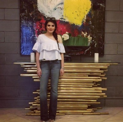 Resham Adopts Bold Fashion At Age Of 40