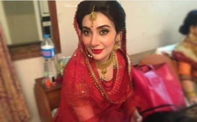 Ayesha-Khans-bridal-photoshoot-5-600x452