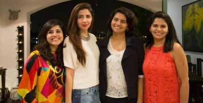 Mahira Khan with fans in Singapore