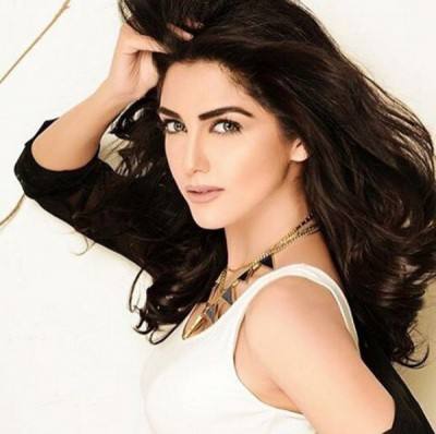 Maya Ali Debut in Bollywood Movie