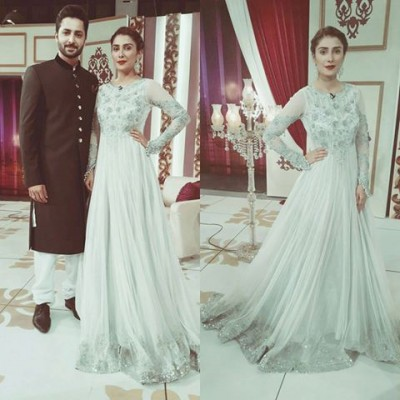 Ayeza-Khan-On-The-place-Of-Future-Mazak-Raat-Eid-show-2