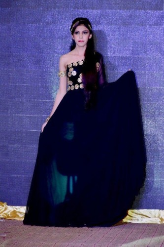 Independence-Day-Fashion-Show-Lahore-5-533x800