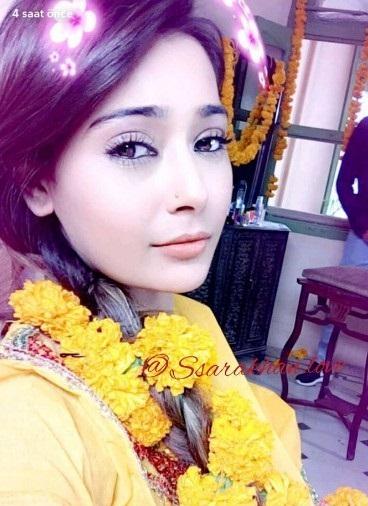 Sara Khan Pictures