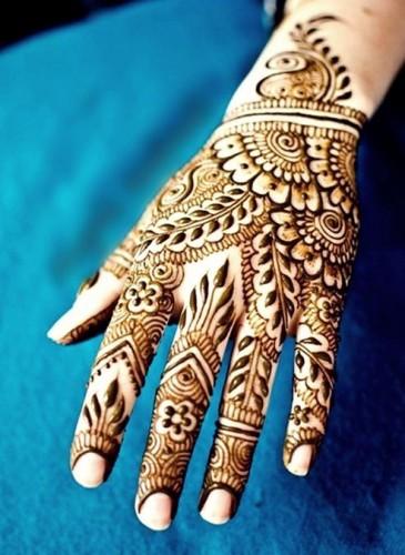 Pakistani Eid ul Fitr Mehndi Design