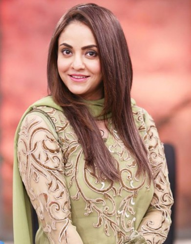 Nadia Khan to Host 5th HUM Awards 2017
