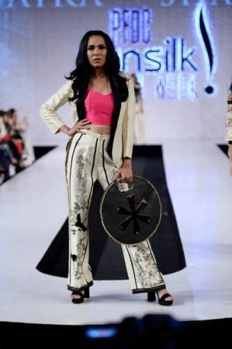 Saira Shakira Jie Collection at PSFW17