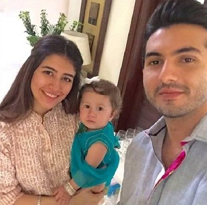 Pakistani Celebrities with Their Childs