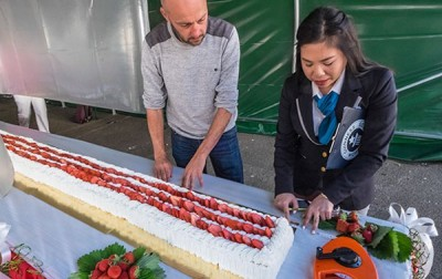 Longest Strawberry Cake Prepared in France
