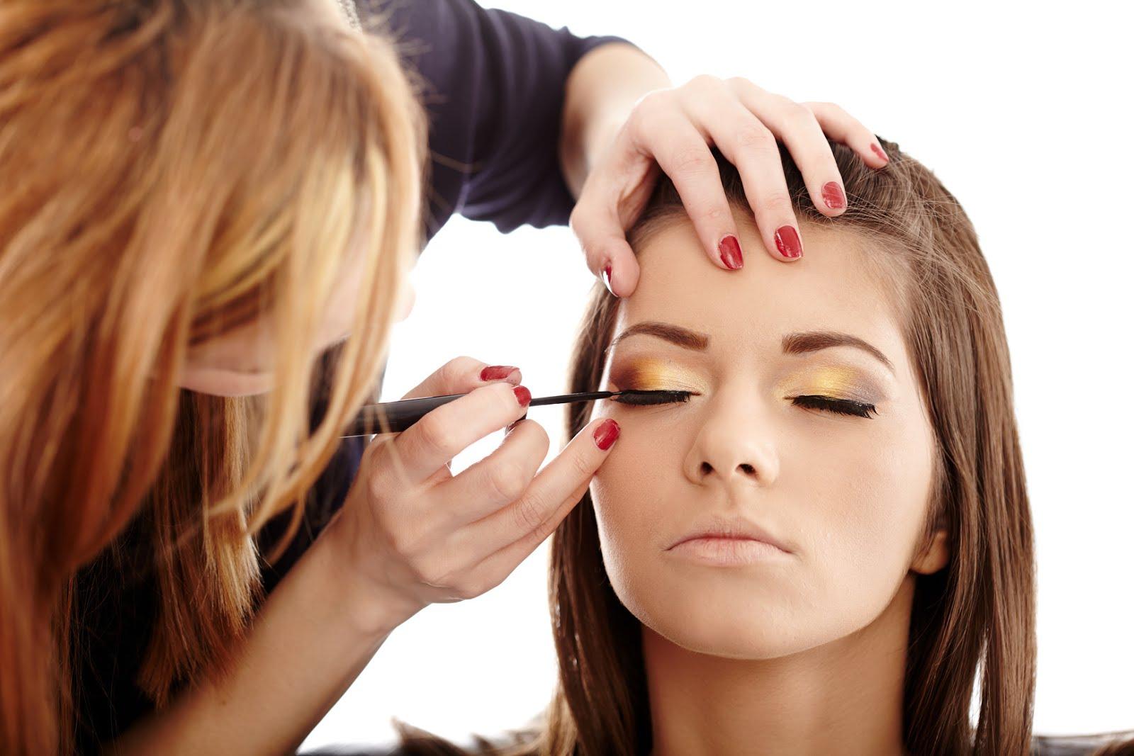 Makeup artist classes