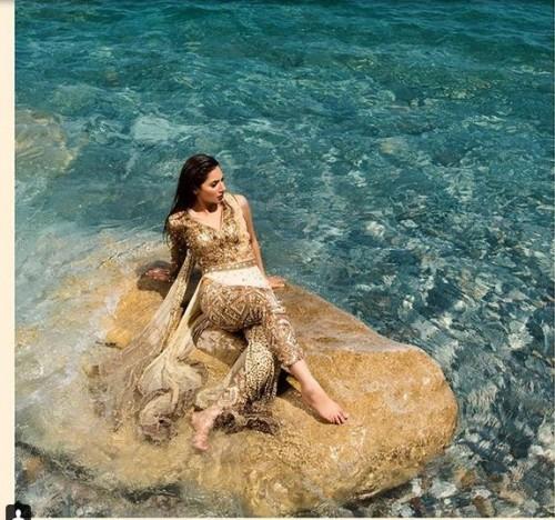 Mahira Khan Photo Shoot on Seashore