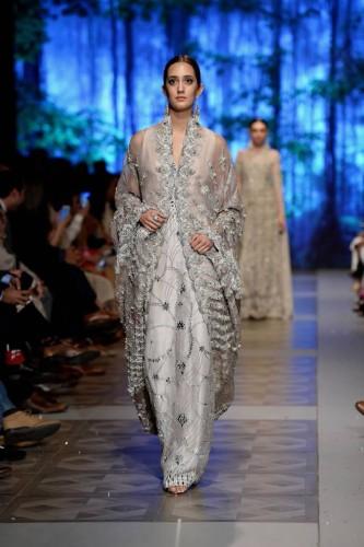 Sana Safinaz Last of Night Collection