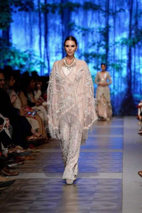 Sana Safinaz Last of Night Collection