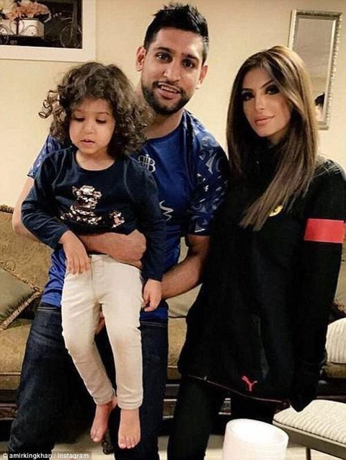 Amir Khan Family Welcomes Faryal Back