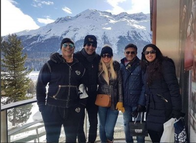 wasim akram and his wife with friends