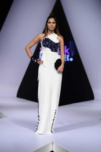 Fashion designer Hira Ali Studios formals1