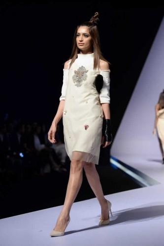 Fashion designer Hira Ali Studios formals9