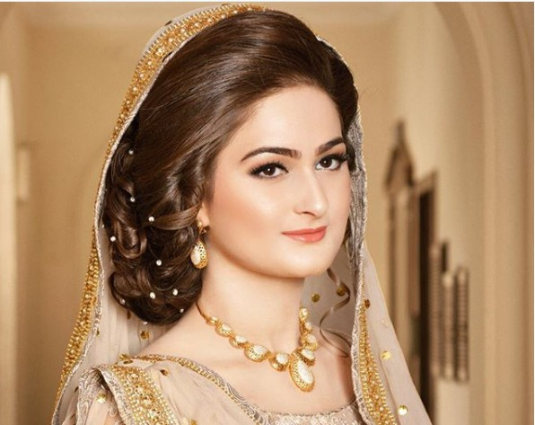 Mehndi Hairstyles With Paranda : Pakistani bridal hairstyles 2018 fashion 2017