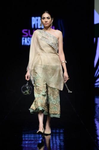Shiza Hassan Fashion Week4