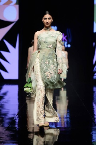 Shiza Hassan Fashion Week5