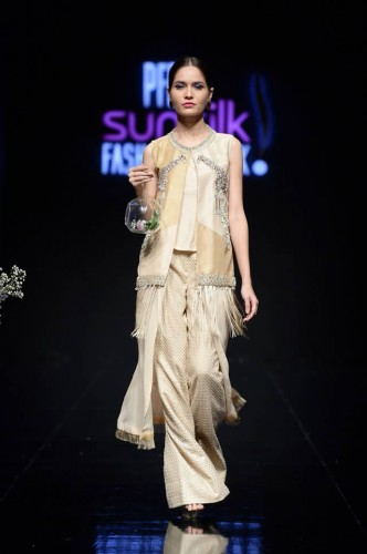 Shiza Hassan Fashion Week9