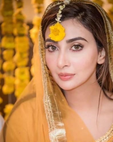 Ayesha Khan2