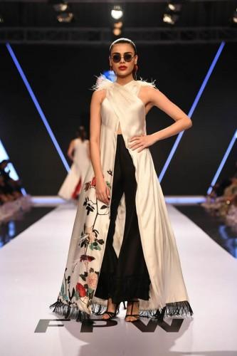 Deepak Perwani dresses2