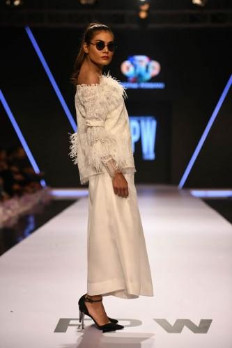 Deepak Perwani dresses4