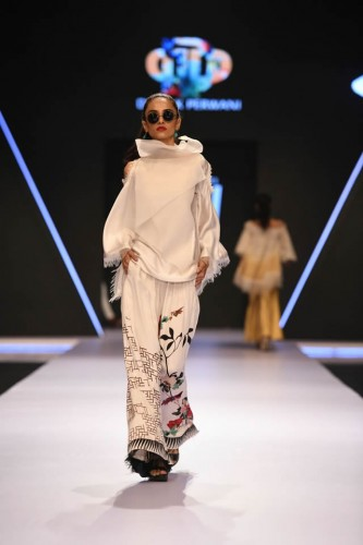 Deepak Perwani dresses7