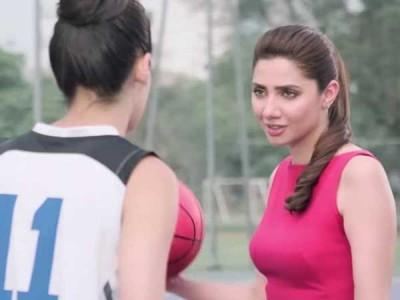 Mahira Khan and Sana Mir