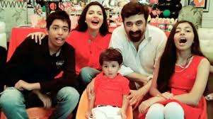 Nida Yasir With Family5
