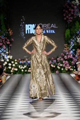 Fashion-designer-Niza-Azwer-form