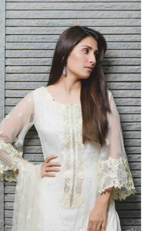 Ayeza Khan3