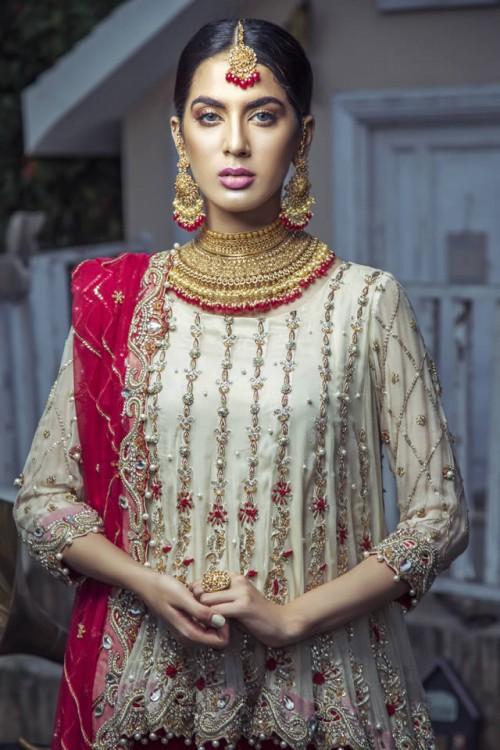 Kiran Faheem dresses3