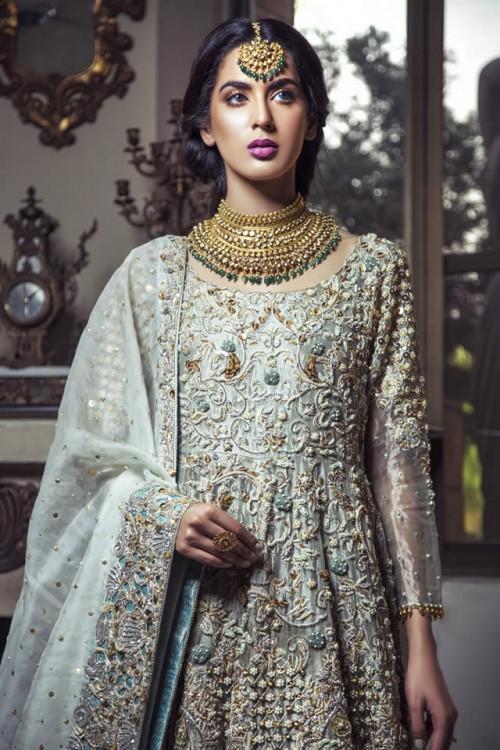 Kiran Faheem dresses5