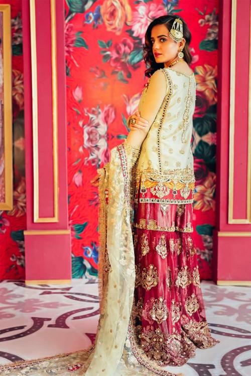 New Stylish Saira Rizwan