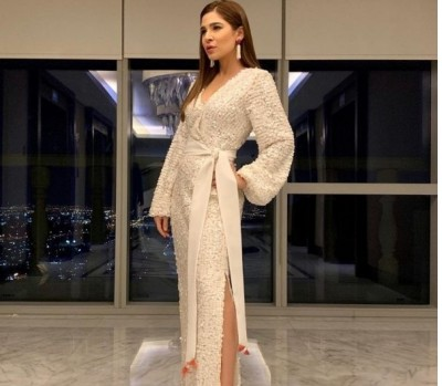 T_10_League _Celebrity_AyeshaOmer