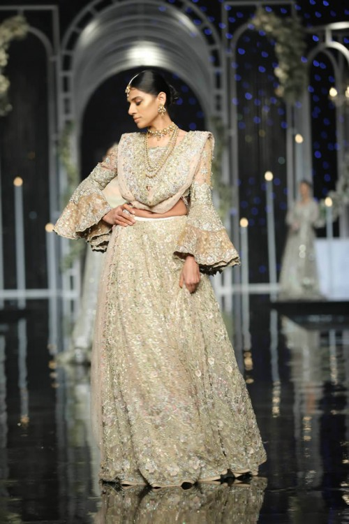 Saba Qamar Bridal Dresses4
