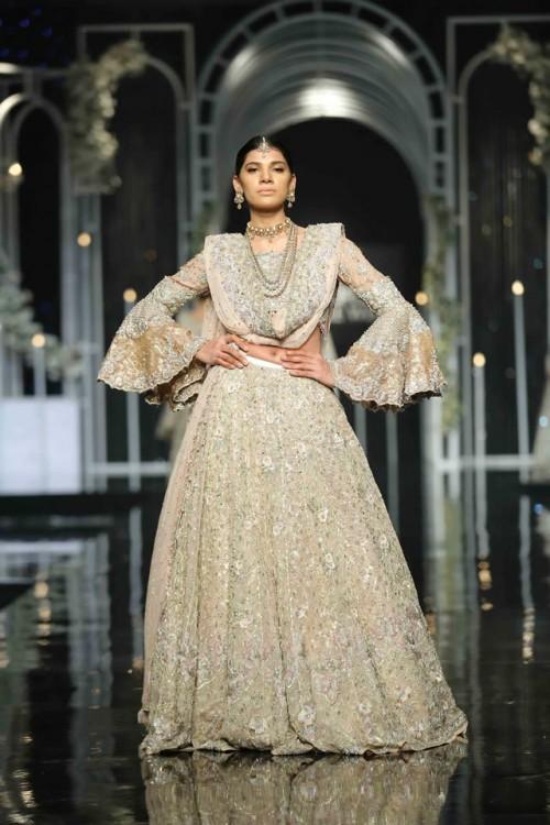 Saba Qamar Bridal Dresses7