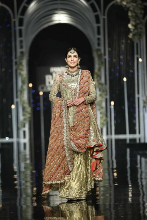 Saba Qamar Bridal Dresses8