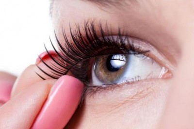 Fixation with Lash Extensions