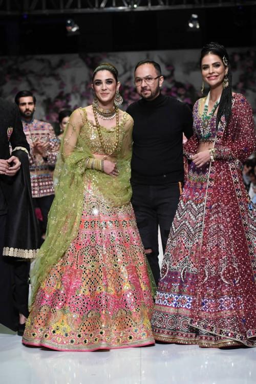 Nomi Ansari Dresses3