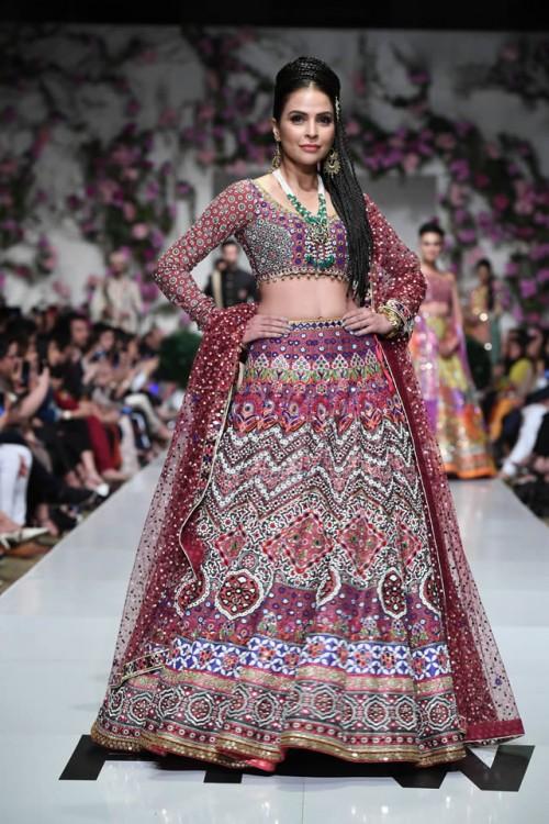 Nomi Ansari Dresses5