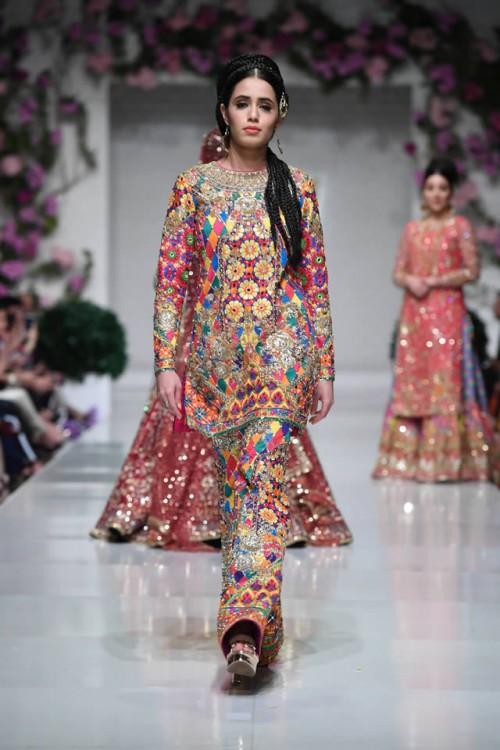 Nomi Ansari Dresses6
