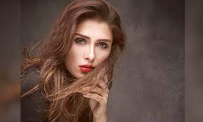 Beautiful Actress Ayeza Khan